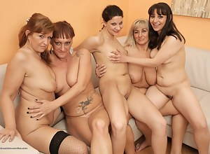 Lesbian Moms Humping Porn Pictures