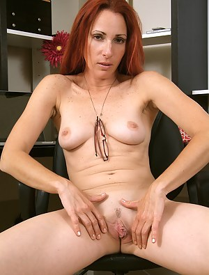 Moms Pussy Piercing Porn Pictures